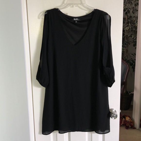 d61041fe782b Lulu's Dresses | Black Flowy Quarter Sleeve Dress | Poshmark